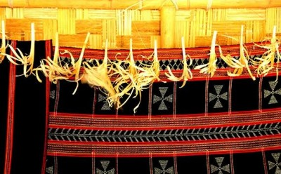 Brocade-Weaving-of-Co-Tu-people